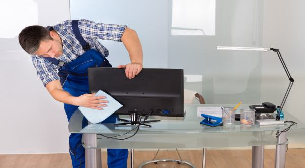 Office cleaning in Edinburgh and Glasgow by Pure Cleaning cleaner